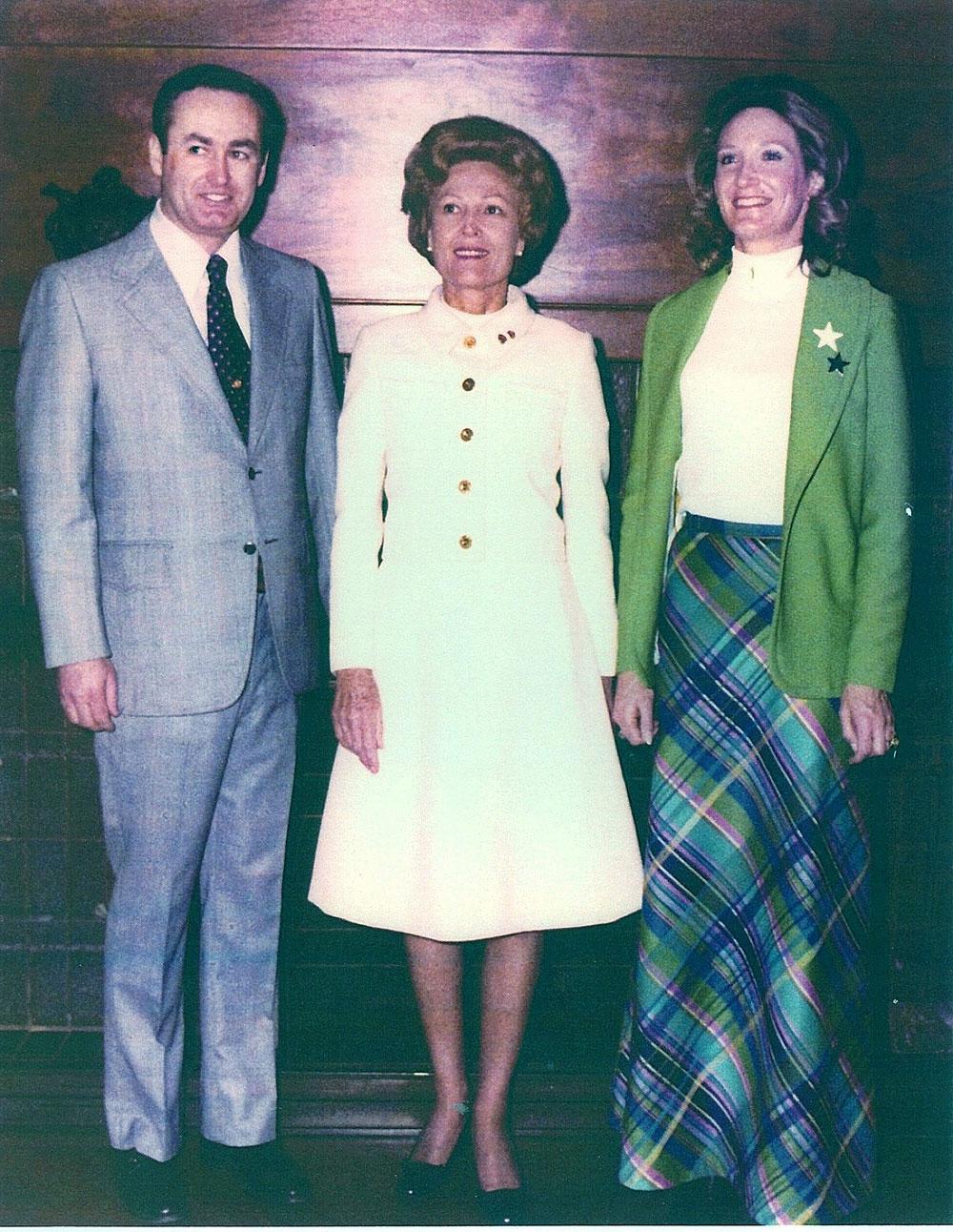 Nancy-Ullrich-Randell-Pat-Nixon-010173